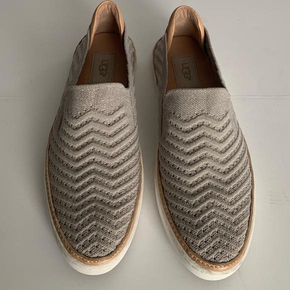 634b2cd9d17 UGG Women's Sammy Chevron Sneaker